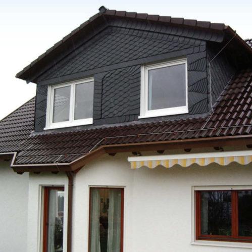 Große, moderne Dachgaube